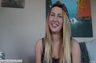 Блонди Carter Cruise классно сосет хер и любит сперму