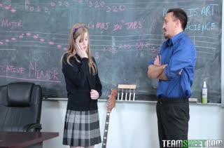 Dolly Leigh шпилится с преподавателем на уроке музыки