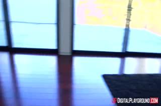 Aria Alexander получает нереальный кайф от гиганта