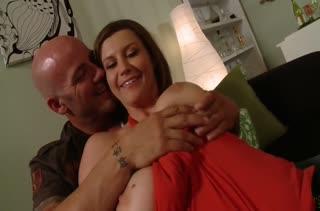Лысый зачетно оттрахал Sara Stone с большими дойками